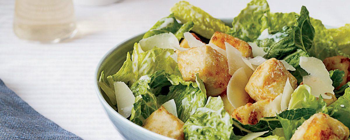 201005-r-xl-caesar-salad-with-crispy-tofu-croutons[1]